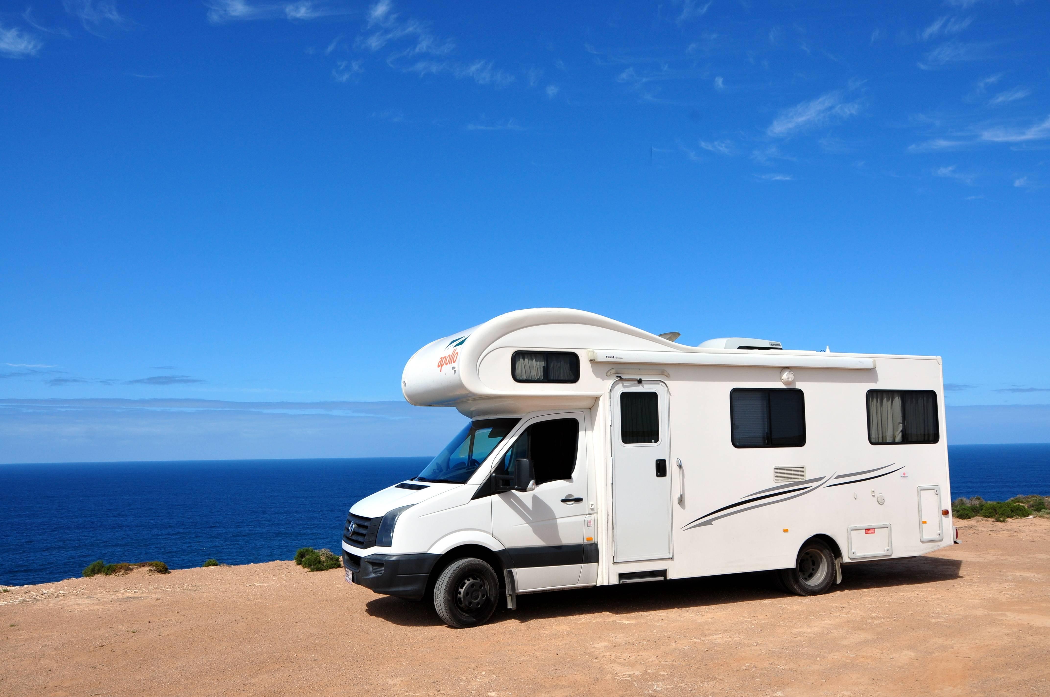 Film Decoratif Camping Car Renover Camping Car La Roche Sur Yon Niort La Rochelle Cholet Nantes Adhezif Fr